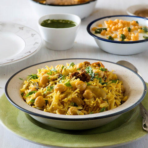 Easy chana pulao recipe which makes delicious and wholesome one pot meal for weeknights.This is Punjabi chana pulao recipe with a flavorful Amritsari twist