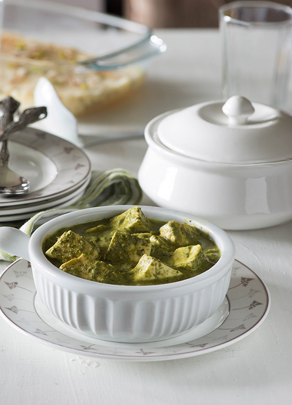 Makhmali Paneer curry is a spicy and aromatic quick paneer dish with vibrant color and flavors.Learn to make this quick paneer currystep by step video