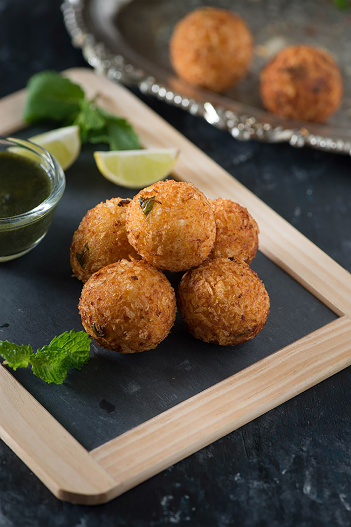 Dahi ke kabab is melt in mouth kababs from North Indian Cuisine. A veg kabab recipe which is easy and quick to prepare.
