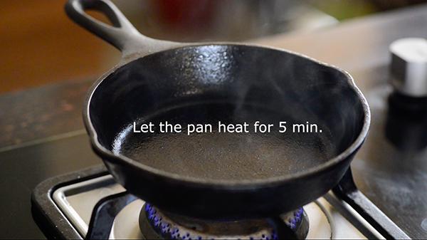 season cast iron pan -step 6