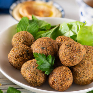 Authentic and traditional falafel recipe