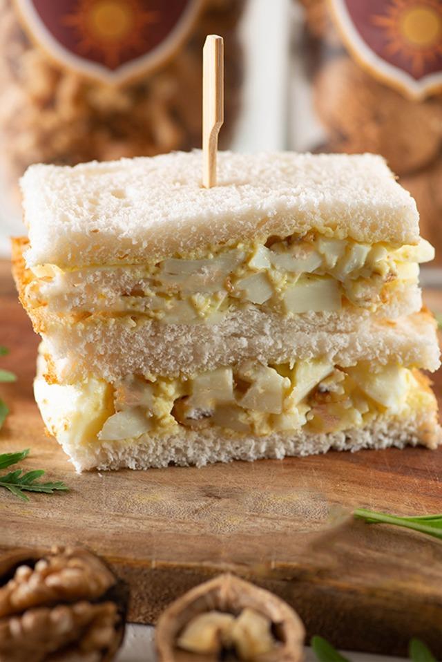 egg salad stuffed in sandwich