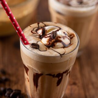 Cafe style cold coffee with icecream
