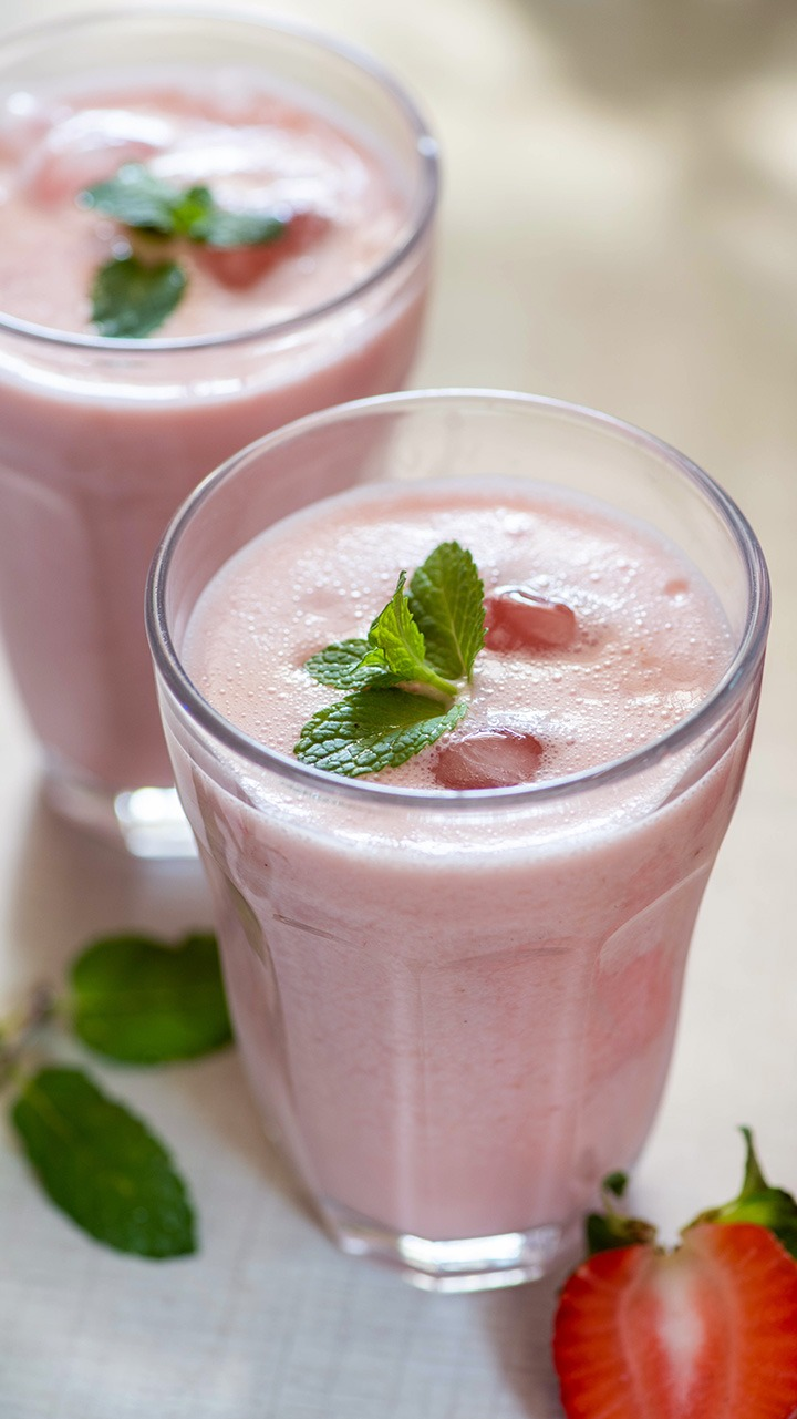 strawberry lassi recipe